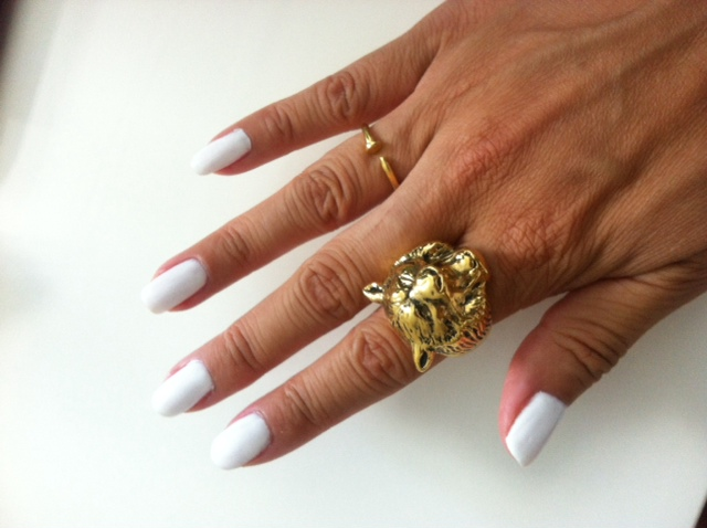 white nail polish Kiss Gel in French