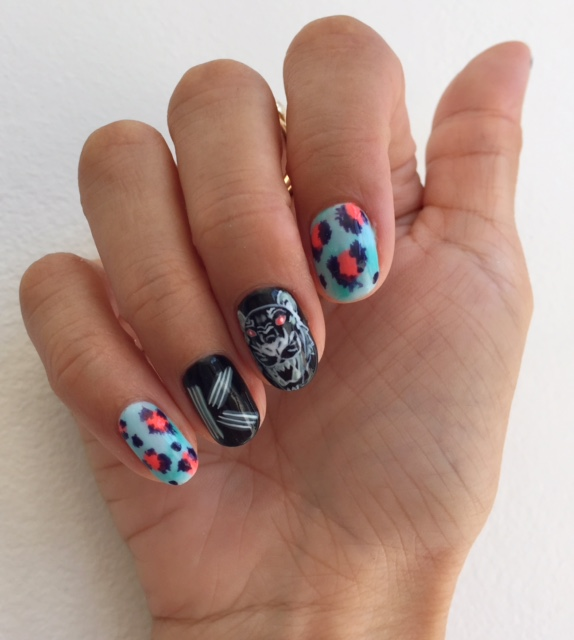Kenzo manicure (right hand)